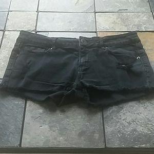Bullhead Black distressed shorts
